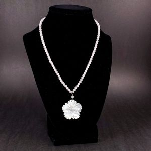 Jewelry - GORGEOUS Mother of Pearl and Rose Quartz Necklace